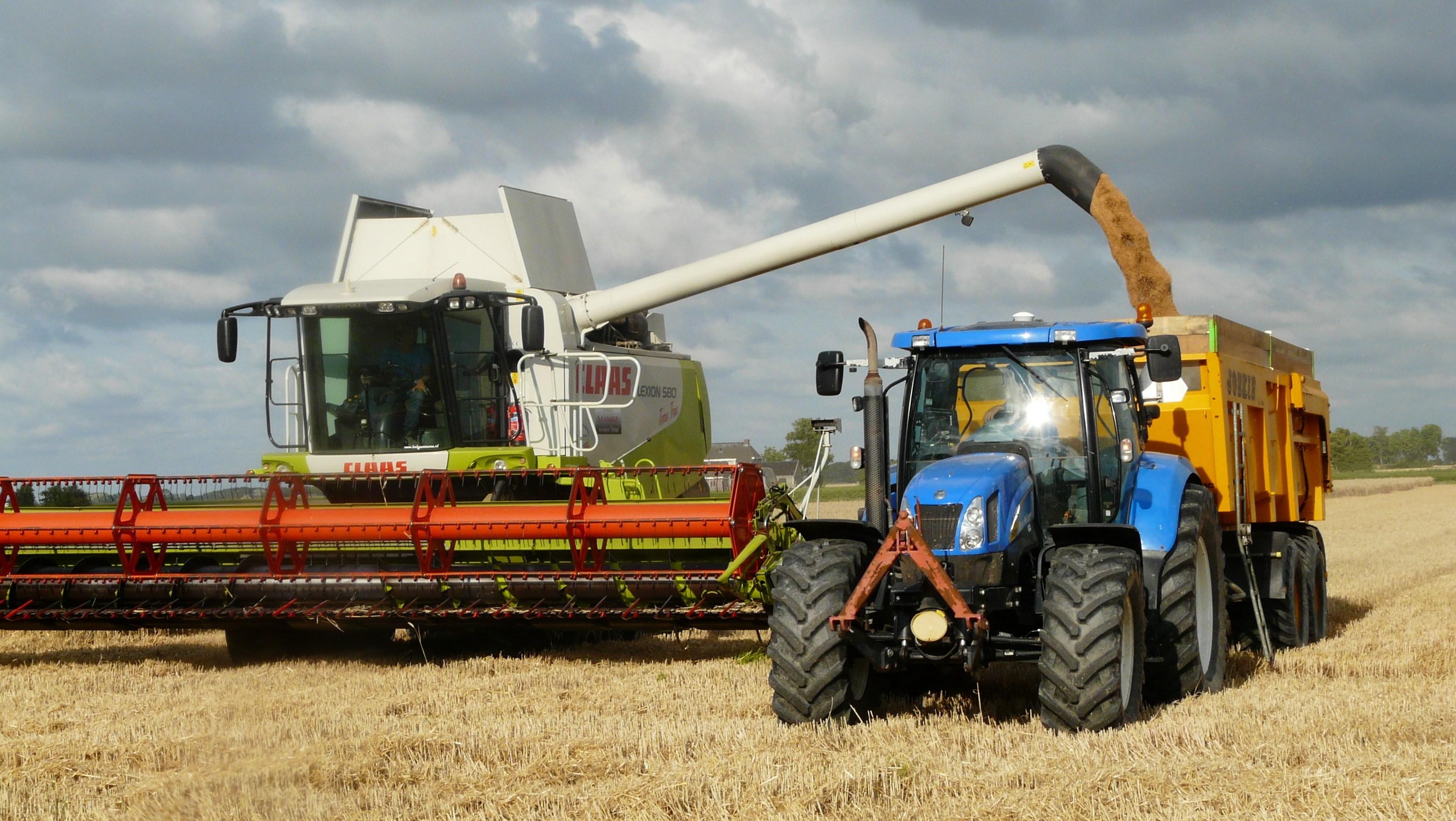 Lad landbrugsmaskiner gør arbejdet for dig på gården